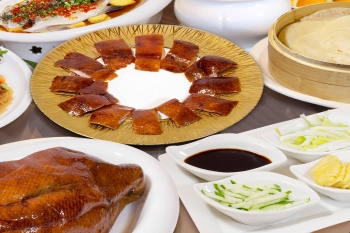 御廚金牌烤鴨,風味更勝北京烤鴨老店